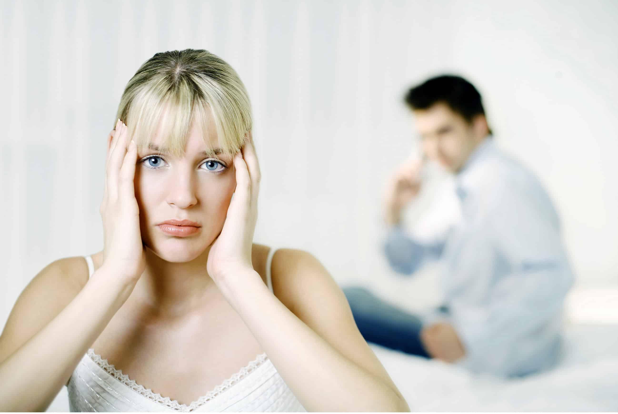Intimidade emocional se foi ou diminuiu profundamente. É quase um clichê para dois parceiros sentir que a